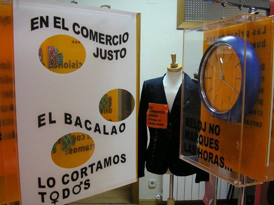 2010-05-05-Expo-PonleCara-Con-CJ-disenas-un-mundo-mejor (39)